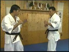 Kyokushin karate instructional by Hajime Kazumi. Great Kyokushin action