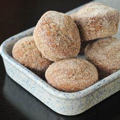 sugared chai banana muffins via @spabettie