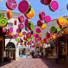 Izmir, Turkey. Photo by @kardinalmelon