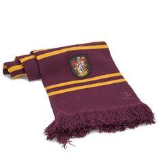 """Echarpe Harry Potter Gryffondor Pourpre et Or. C'est l''écharpe que portent tous les membres de la Maison Gryffondor depuis """"Harry Potter et le Prisonnier d'Azkaban"""" Disponibles en d'autres couleurs sur http://www.cinereplicas.fr/"""