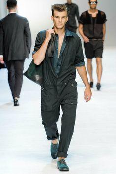 Men's wear # fashion for men # mode homme # men's fashion Men Fashion Show, Latest Mens Fashion, Mens Fashion Suits, Milan Fashion, Style Fashion, High Fashion, Boiler Suit, Prada, Raining Men