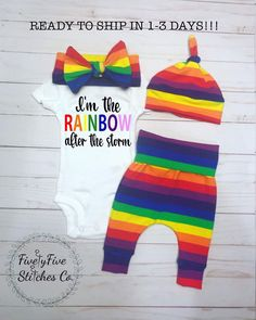 "Funky Personnalisé /""Rainbow/"" Unisex Baby Clothing Bib Great Baby Shower cadeau"