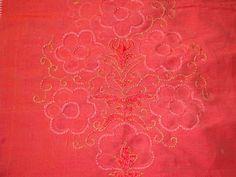 peach-mirror-yoke-embroidery-closeup.jpg 1,024×768 pixels