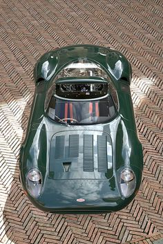 """specialcar: """" Luxury """" I'm not usually a fan of race cars, but the visible rivets and random NACA duct on this Jaguar (not to mention the British Racing Green color) are super cool. Classic Sports Cars, Classic Cars, Sport Cars, Race Cars, Jaguar Xj13, Jaguar Cars, Automobile, Auto Retro, E Type"""
