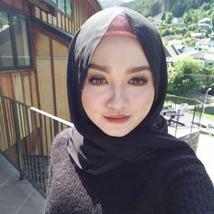 hijabi lovers #gayahidup Muslim Fashion, Hijab Fashion, Hijab Tutorial, Hijab Outfit, Sexy, Lovers, Style, Swag, Hijabs