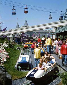 Vintage Disneyland: Matterhorn bobsled & Skyway 1959 memory's Disney Parks, Walt Disney, Disney Rides, Disney Fun, Disney Magic, Disney Stuff, Disney College, Punk Disney, Disney Theme
