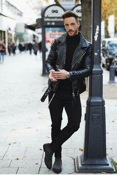 Tendências Moda Masculina Outono 2018. Macho Moda - Blog de Moda Masculina: Tendências Masculinas para o OUTONO 2018 - Roupa de Homem. Estilo Masculino, Moda Masculina Outono 2018, Tendências Masculinas, Moda para Homens. Gola Alta Masculina.Jaqueta de Couro Biker, Chelsea Boot, All Black