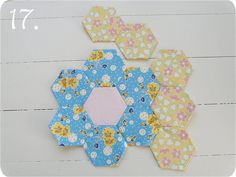 Grandmothers Flower Garden Quilt Anleitung # 3 --now why didn't I think of doing it like this --so glad I found this info