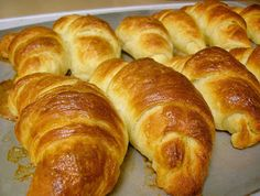 Hot and fresh every morning. Ham and cheese filled croissants at the Mockingbird Cafe and Bakery! Mini Croissant, Croissant Recipe, Food N, Food And Drink, Donuts, Sweet Dough, Brunch, Pan Dulce, Gourmet