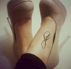 Classy foot tatt