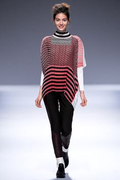 Issey Miyake Fall 2013 Ready-to-Wear Fashion Show