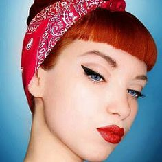 Classic pin up style with a twist on the cat eye :) nice thick sides :D Rockabilly Make Up, Rockabilly Moda, Moda Pinup, Rockabilly Fashion, Retro Fashion, Rockabilly Shoes, Rockabilly Clothing, Psychobilly Hair, Greaser Hair