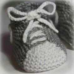 free baby knit bootie pattern More - agnes melis - - patron tricot chausson bébé gratuit Plus free baby knit bootie pattern More - Knit Baby Shoes, Crochet Baby Boots, Booties Crochet, Baby Booties, Crochet Patterns Free Women, Baby Knitting Patterns, Tricot Baby, Shoe Basket, Baby Slippers