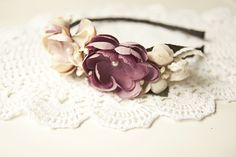 http://de.dawanda.com/product/68507343-Hochzeit-Event-Blumen-Haarreif-3