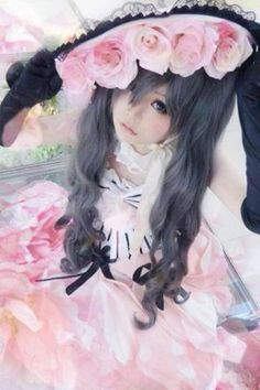 Ciel Phantomhive is the main character in the Kuroshitsuji anime (Black Butler), he is a remaining descendant of the Phantomhive noble fami. Belle Cosplay, Ciel Cosplay, Lolita Cosplay, Kawaii Cosplay, Cosplay Anime, Epic Cosplay, Cosplay Makeup, Amazing Cosplay, Cosplay Outfits