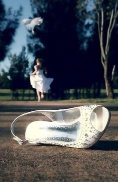 Idea for a Cinderella engagement shoot.