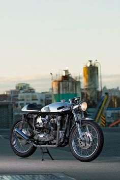 Stance, performance and style: this Triton from Canada's Wheelies Motorcycles is a triple hit of goodness.