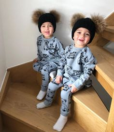 Cute Baby Twins, Twin Baby Boys, Mom And Baby, Baby Love, Sweet Baby Photos, Cute Kids Photos, Cute Baby Pictures, Baby Boy Outfits, Kids Outfits