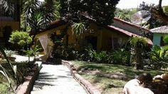 A Pousada Carpe Diem está localizada em Arraial d'Ajuda, Bahia. Possui piscina, jardim e wi-fi. Fica somente a 5 minutos andando da praia de Mucugê que é repleta de barracas e bem familiar. A 250m há lojas, restaurantes e bares. O café da manhã inclui especialidades baianas e portuguesas e é servido sobre um terraço com vista para a mata atlântica.