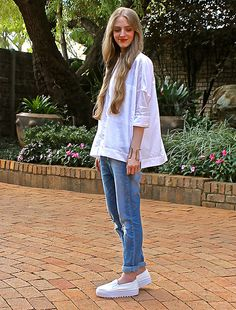 {22.04.15} White Shirt and Blue Jeans