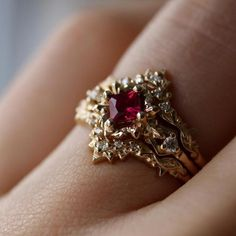 Two Tone Gold Morganite Engagement Ring Vintage Engagement Ring Vintage Morganite Ring - Fine Jewelry Ideas Rose Gold Engagement Ring, Engagement Ring Settings, Diamond Wedding Bands, Ruby Wedding Rings, Handmade Engagement Rings, Engagement Bands, Vintage Engagement Rings, Gold Bands, Jewelry Rings