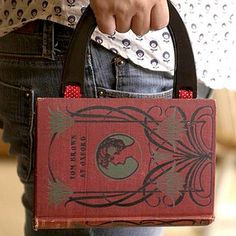 Clutch your books. #diy #books
