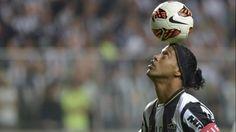 Fotbalistul brazilian Ronaldinho a fost desemnat ambasadorul global al clubului Barcelona