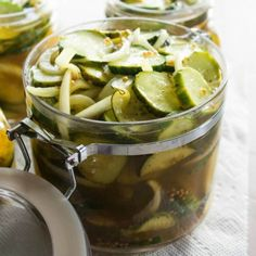Bread and butter pickles, so easy and crunchy!