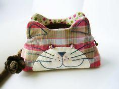 Cat purse / Cat zipper purse / Cat coin purse / Hand by DooDesign, $16.00
