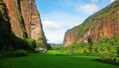 4 Best Places to Visit in West Sumatra Bukit Tinggi, Minangkabau, Padang, Johor Bahru, Cool Places To Visit, The Good Place, Beautiful Places, Bali, Tours
