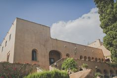 Boda en Castillo Santa Catalina Málaga … Amaya+Daniel Cata, Mansions, House Styles, Home Decor, Living Room Blue, Blue Living Rooms, Civil Ceremony, Wedding Pictures, Castles