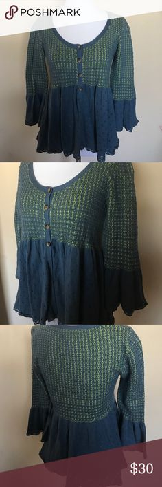 Free People Small Cute Button up Top Preowned, good condition, light weight, love this top!!! Bundle for a deal or make me an offer Free People Tops