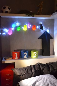 mommo design: RECYCLING...Inflatable barbapapas as light garland