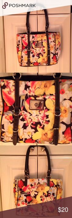 Beautiful flower Handbag Tastefully made bag with front pocket and 1 zippered pocket on the inside. Brand new condition in and out Bags Shoulder Bags