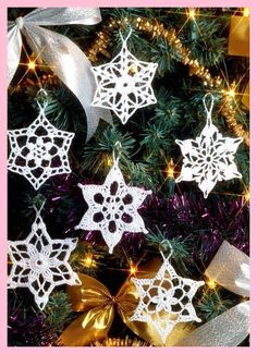 Gwiazdki Top 10 Free Patterns for Crocheted Snowflakes Top Inspired Muster Crocheted free Gwiazdki Inspired patterns Snowflakes Top Weihnachten kostenlose Muster Crochet Snowflake Pattern, Crochet Snowflakes, Snowflake Ornaments, Christmas Snowflakes, Crochet Ornaments, Christmas Poinsettia, Christmas Bells, Christmas Angels, Crochet Patterns