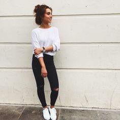 "Weronika Załazińska on Instagram: ""Windy Tuesday in London Town / wearing @americanappareluk vintage jumper @topshop jeans and shoes @liketoknow.it www.liketk.it/1FJzZ #liketkit"""