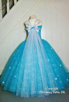 Diy Crafts - Disney Frozen Elsa Inspired Super Sparkly Tutu by BloomingTutusUK Tutus For Girls, Girls Dresses, Flower Girl Dresses, Tulle Dress, Dress Up, Princess Tutu Dresses, Baby Tutu Dresses, Tutu Outfits, Princess Costumes