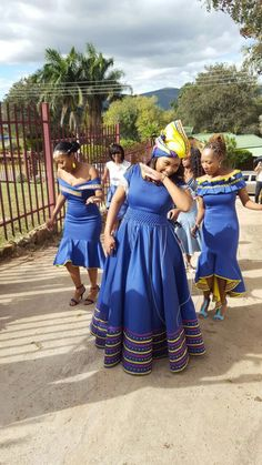 sotho shweshwe dresses for African women - fashion ShweShwe 1 African Dresses For Kids, African Dresses For Women, African Print Dresses, African Print Fashion, African Attire, African Fashion Dresses, African Women, Xhosa Attire, Pedi Traditional Attire