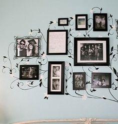 """Vocês já ouviram falar em decoração afetiva? A árvore genealógica com fotos é uma forma de manter a história da família bem viva e à mostra. <br>  <br>Vejam<a href=""""http://bbel.com.br/decoracao/post/bbel-viu-e-gostou/arvore-genealogica-na-parede"""">10 ideias criativas</a>."""