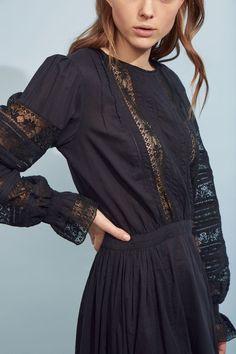 Robe longue en dentelle Romies noire   Antik Batik Vintage Ladies, Vintage Woman, Bell Sleeves, Bell Sleeve Top, Cold Shoulder Dress, Ethnic, Dresses, Fashion, Black People