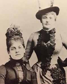 Frances Hodgson Burnett (right) & her secretary Luisa Chiellini