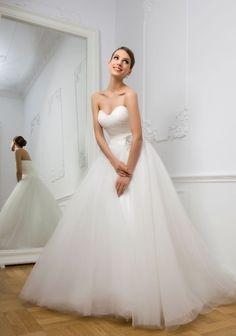 Rochii de mireasa stil printesa pentru 2013 - Rochii de Mireasa Go here for your dream wedding dress and fashion gown!https://www.etsy.com/shop/Whitesrose?ref=si_shop