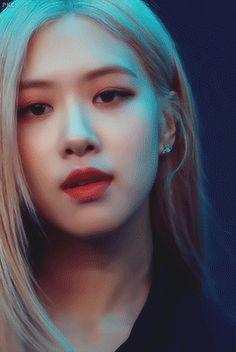 Rose Video, Blackpink Video, Lisa Blackpink Wallpaper, Rose Wallpaper, Lisa Park, Foto Rose, Kim Jisoo, Black Pink Kpop, Blackpink Fashion