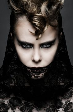 Stunning Fashion Photography by Arthur Sysoev - Cruzine Fashion Face, Dark Fashion, Fashion Beauty, Couture Fashion, High Fashion, Dark Beauty, Gothic Beauty, Halloween Fashion, Halloween Makeup