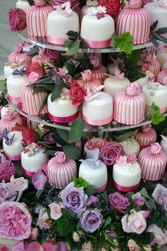 #Cupcakes   #Wedding #shower cupcakes