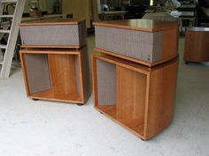 Vittora Speakers - Volti Audio - Hi-Efficiency Horn Speakers.  Reminds me of Klipsch La Scalas.