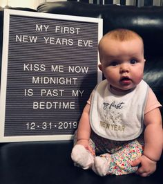New years letter board baby, New Year's Eve Monthly Baby Photos, Newborn Baby Photos, Baby Boys, Carters Baby, Baby Christmas Photos, Holiday Photos, Milestone Pictures, Baby Letters, Cute Baby Pictures