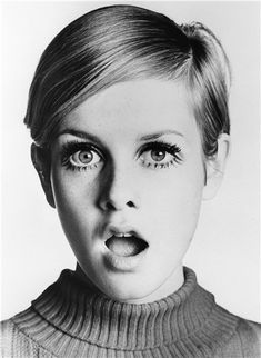 Twiggy, top-model simbolo degli anni '60, fu una delle prime modelle ad indossare la minigonna.