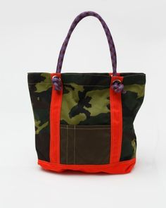 Camo Rock Climbing Tote - It's Rockin' Outdoor Brands, Rock Climbing, Country Girls, Backpack Bags, Spring Summer Fashion, Camouflage, Gym Bag, Mens Fashion, My Style