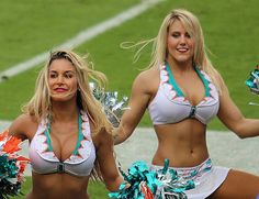 Dolphins Cheerleaders, Hottest Nfl Cheerleaders, Football Cheerleaders, Miami Dolphins Apparel, Mädchen In Bikinis, Cheerleading Pictures, Sporty Girls, Sports Women, Workout Exercises